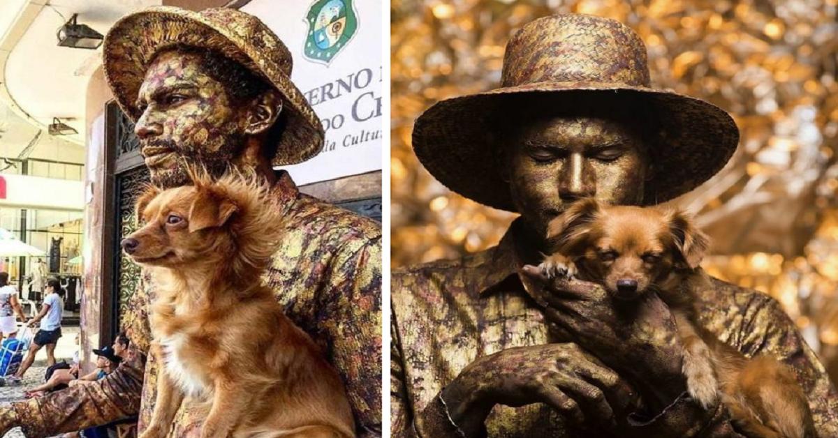 Cucciolo fa la statua vivente