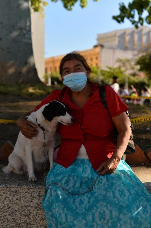 Donna e cane sfrattati