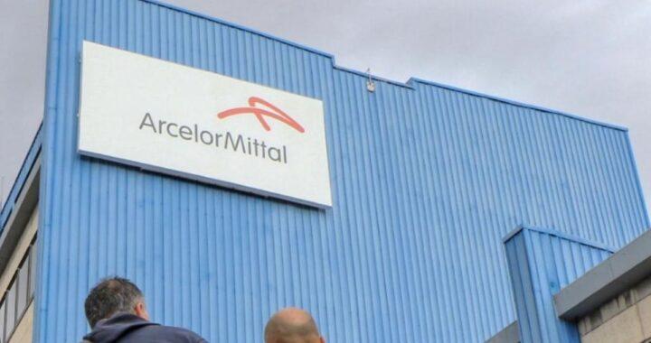 """Operaio licenziato da ArcelorMittal dopo un post su FB sulla fiction """"Svegliati amore mio"""""""