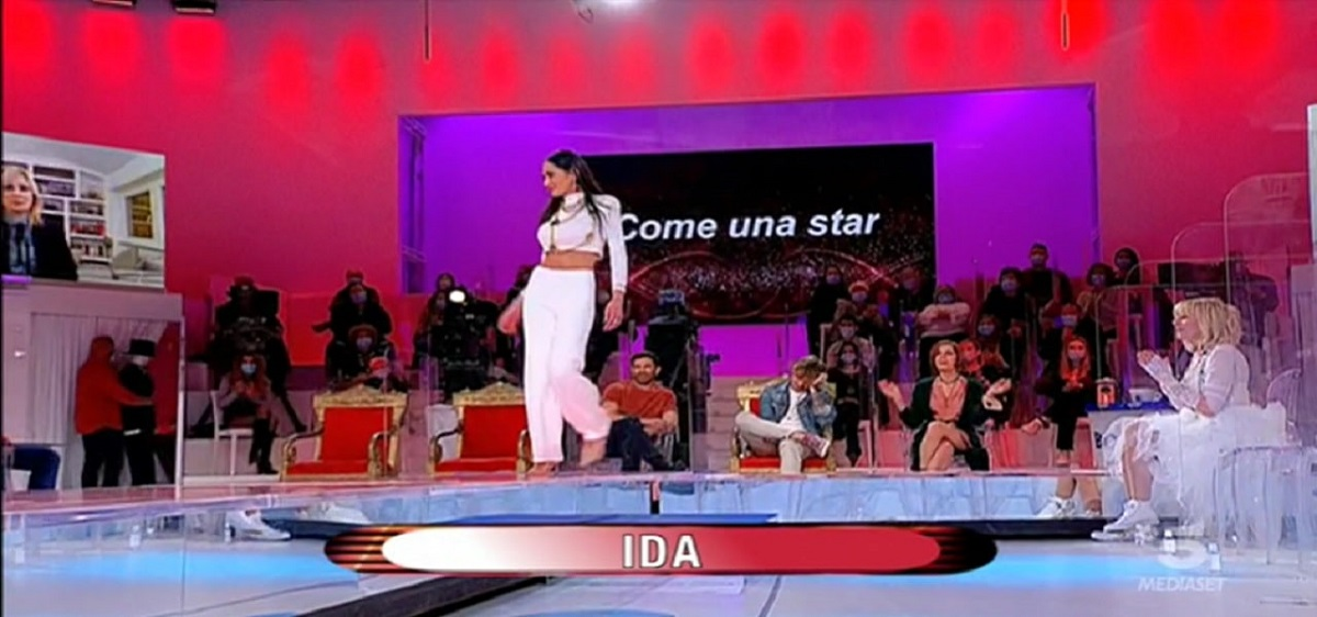 UeD: how are the outfits of the participants chosen?  The lady reveals the truth
