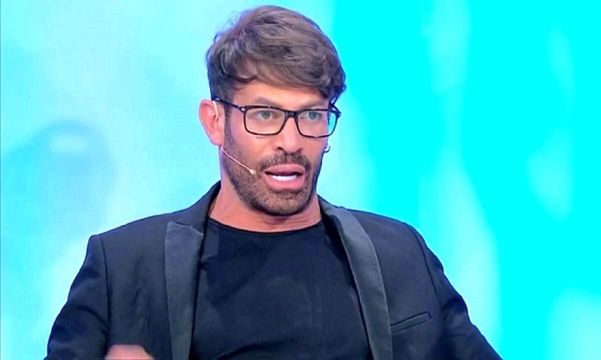 UeD, Gianni Sperti è sicuro: Gemma sta ancora corteggiando Vivarelli