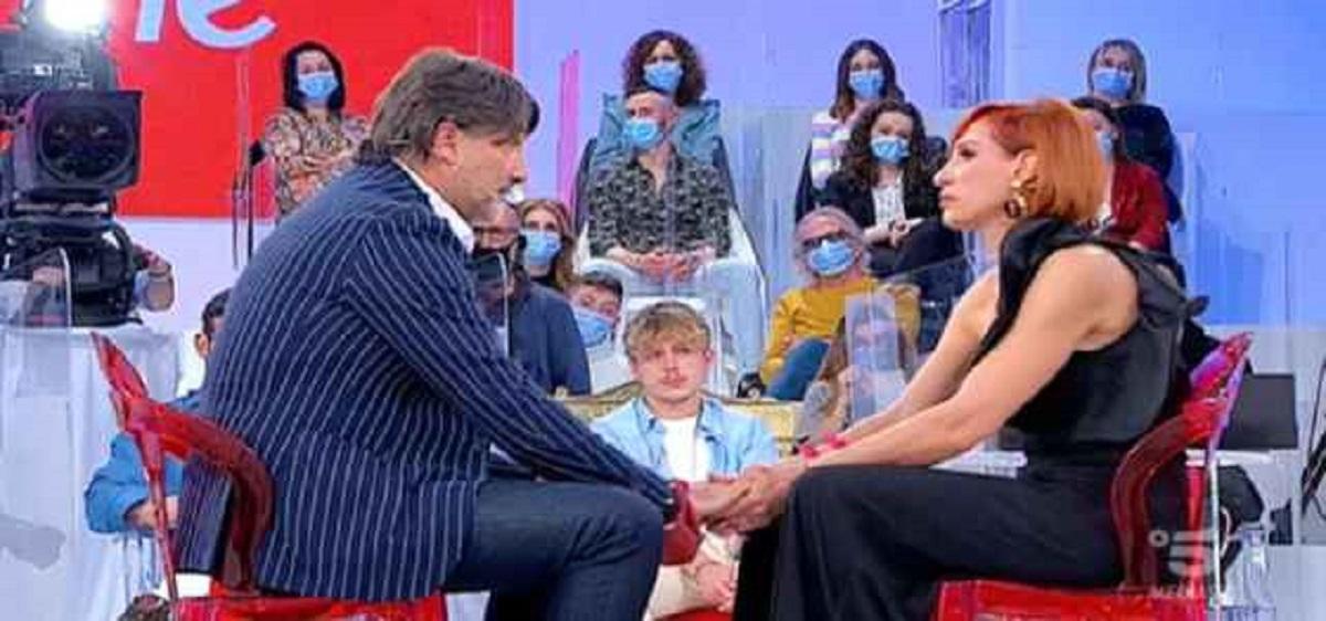 UeD: la proposta di matrimonio in studio