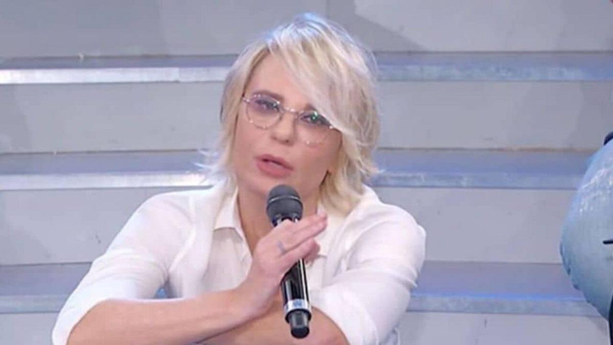 UeD: Maria De Filippi asfalta il cavaliere Luca Cenerelli