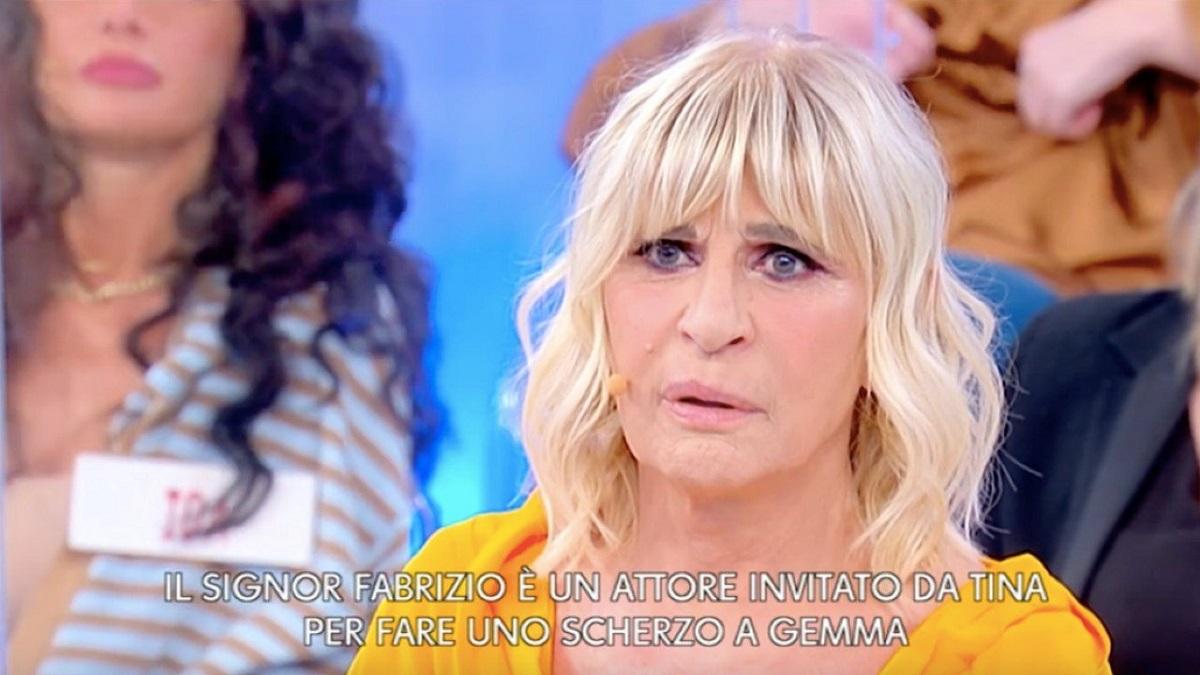 UeD: Tina Cipollari fa uno scherzo a Gemma