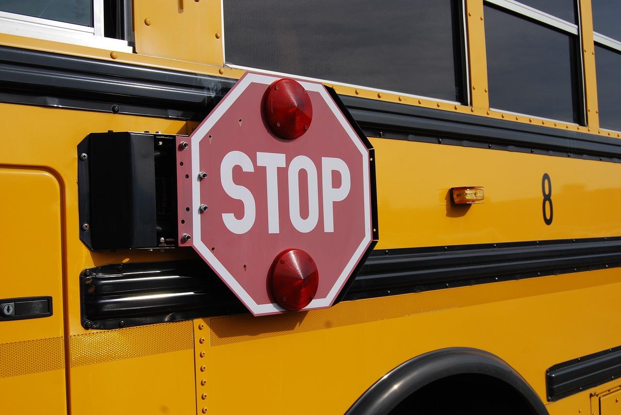 Studenti sullo scuolabus