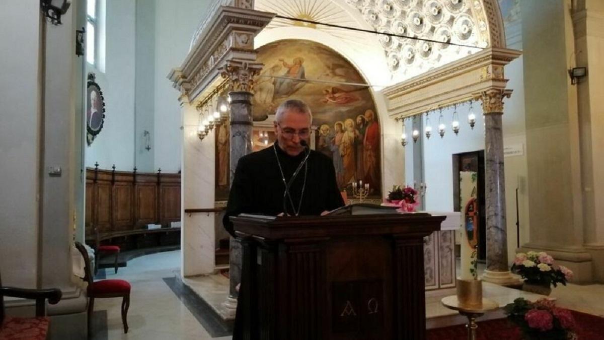 vescovo foto