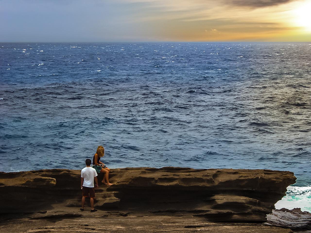 coppia in riva al mare