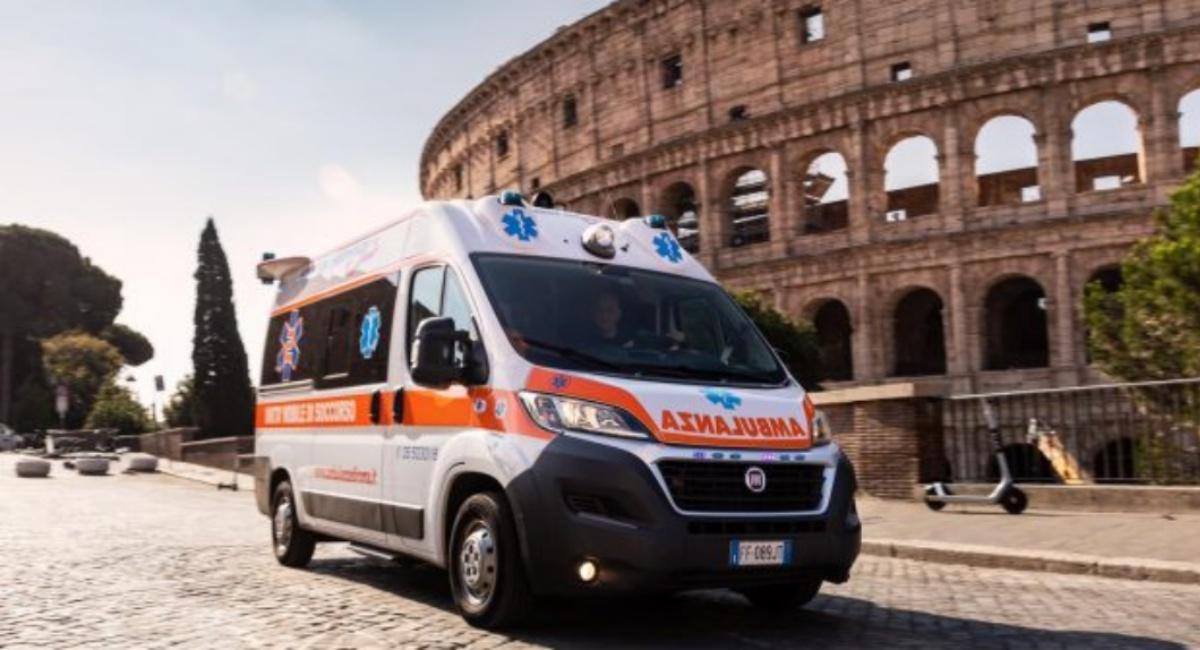 Uomo uccida donna di 40 anni in strada a Roma
