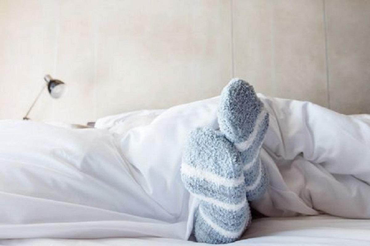 con i calzini dormire