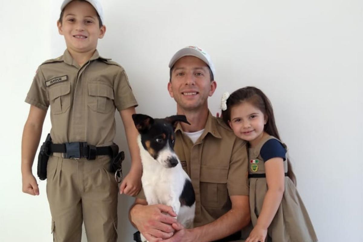 Rex adottato dal poliziotto che lo ha salvato