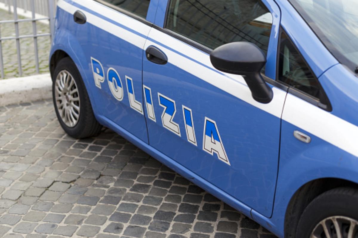 Rabbi a Napoli: cane lanciato dal balcone