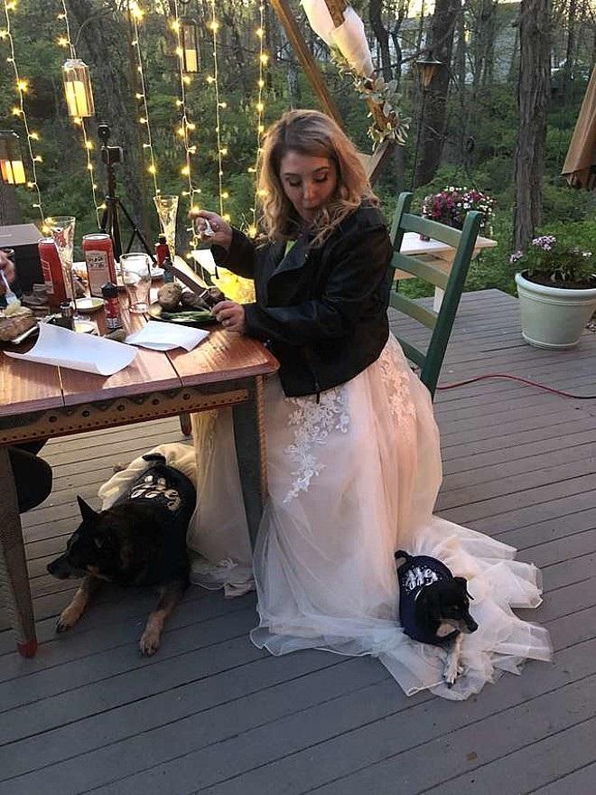 Autumn Miller con Sasha e Oreo