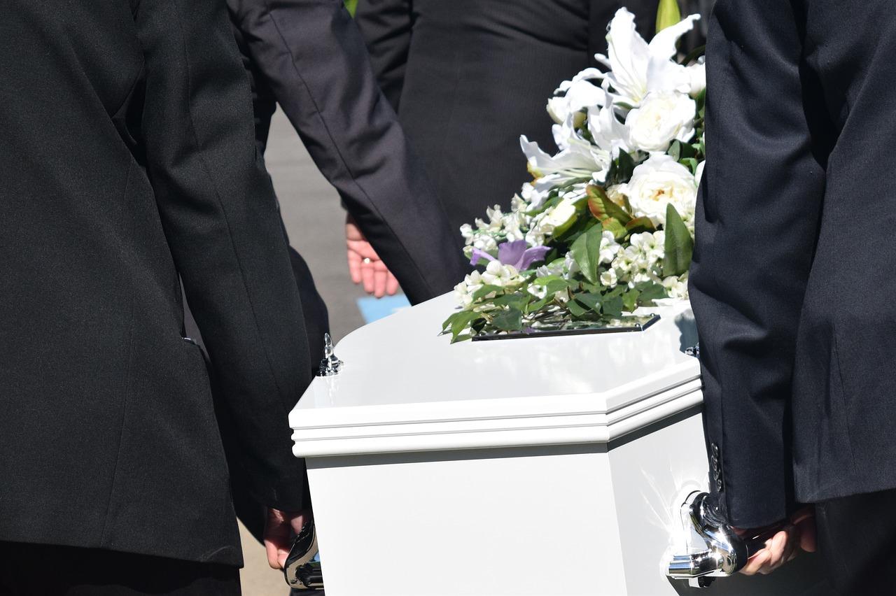 Mirko morto per difendere la madre
