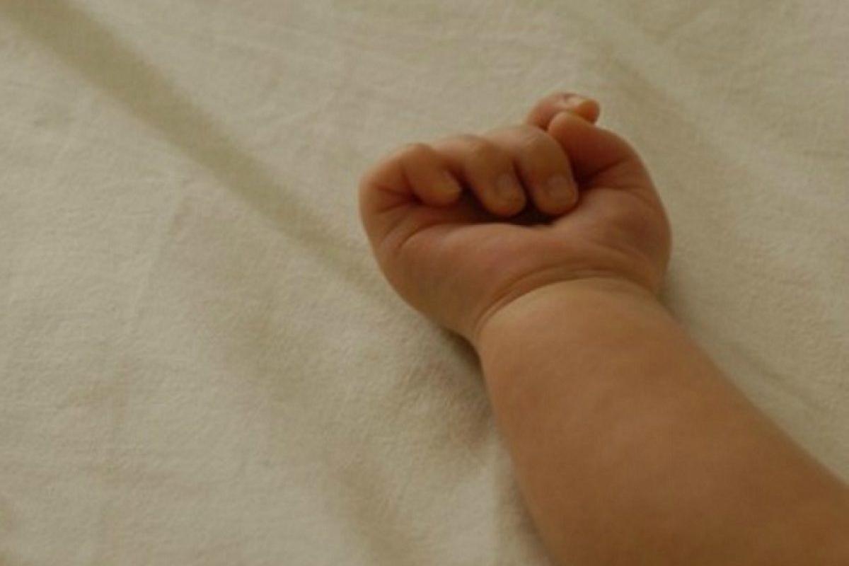 neonato 23 giorni morto