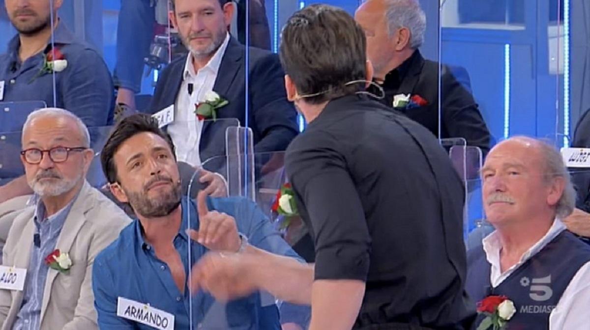 "UeD, Armando Incarnato a Nicola Vivarelli: ""Sei gay?"""