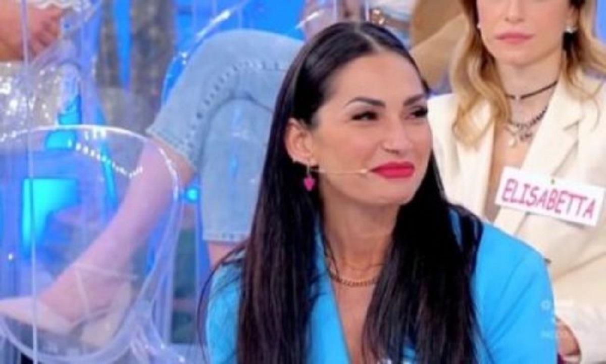UeD: Ida Platano invita un cavaliere in casa sua