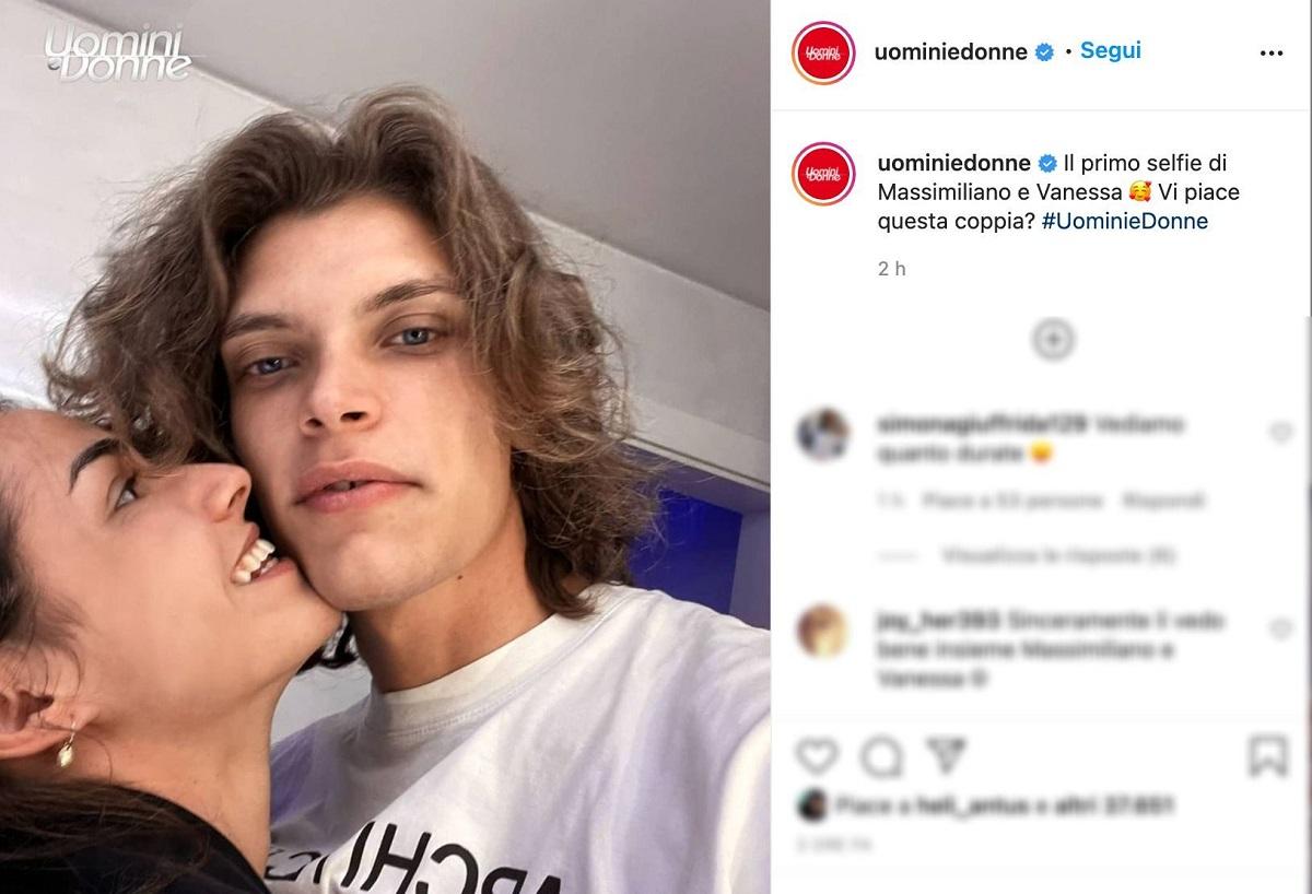 UeD: Massimiliano e Vanessa postano le prime foto ma ai fan non sfugge il dettaglio