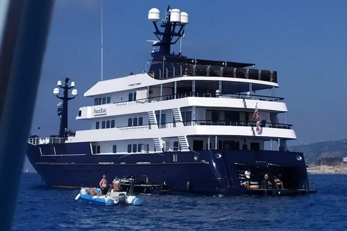 yacht-briatore