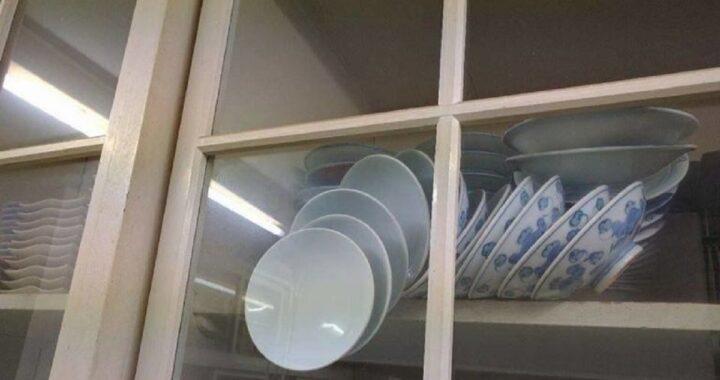 Riesci ad aprire questa credenza senza rompere i piatti? La soluzione è semplice