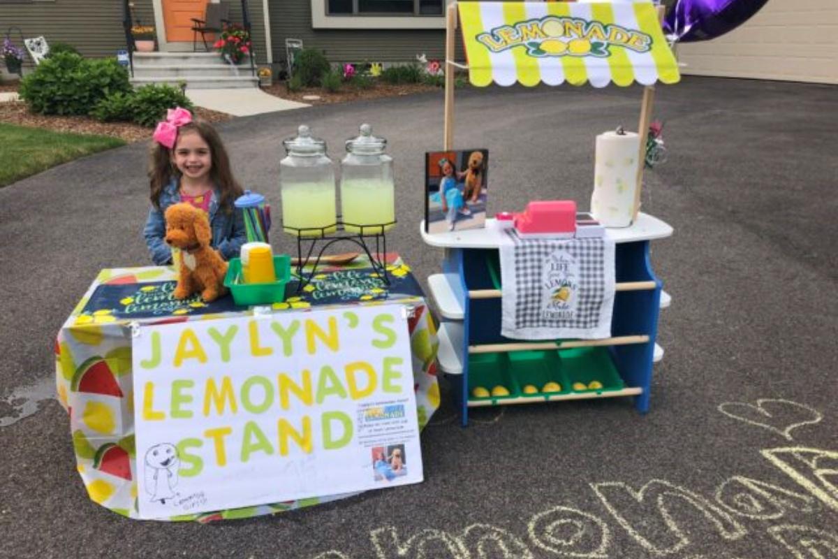 Il chiosco di limonate ideato da Jaylyn