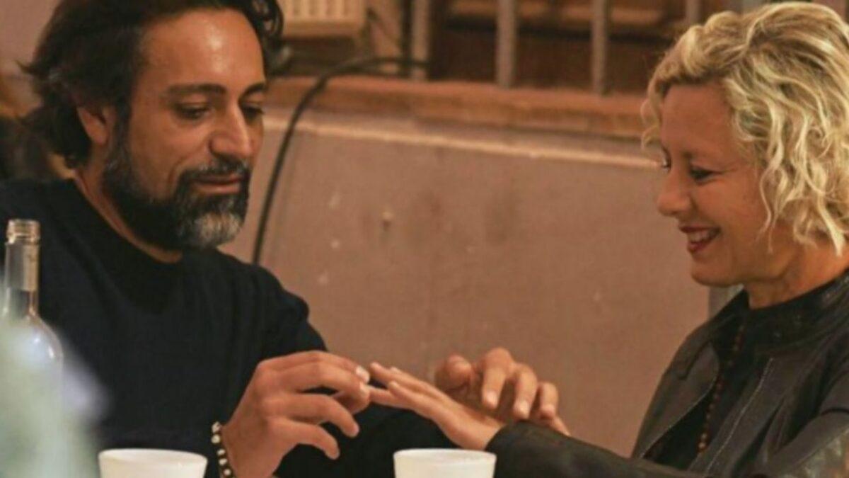 Antonella Elia fa una proposta a Pietro Delle Piane