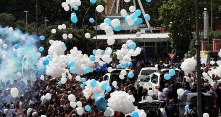 I funerali di Daniel e David Fusinato, i fratellini uccisi nella strage di Ardea