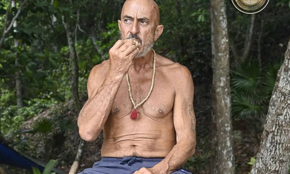 """Isola dei Famosi: Roberto Ciufoli racconta """"qualcuno ci trattava male"""""""