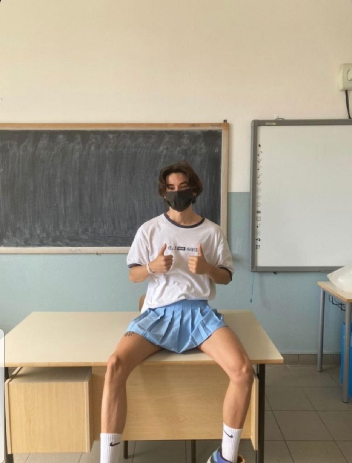 a scuola con la gonna