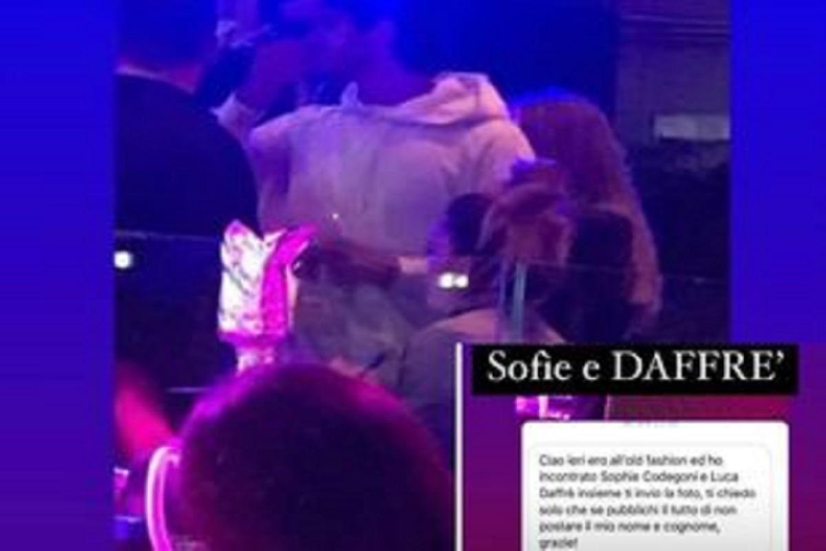 UeD: Sophie Codegoni pizzicata con l'ex tentatore