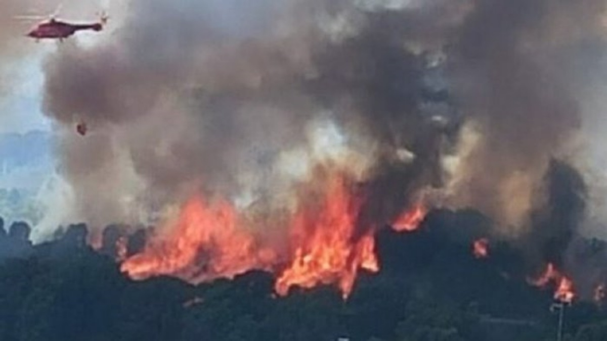 La Sardegna continua a bruciare