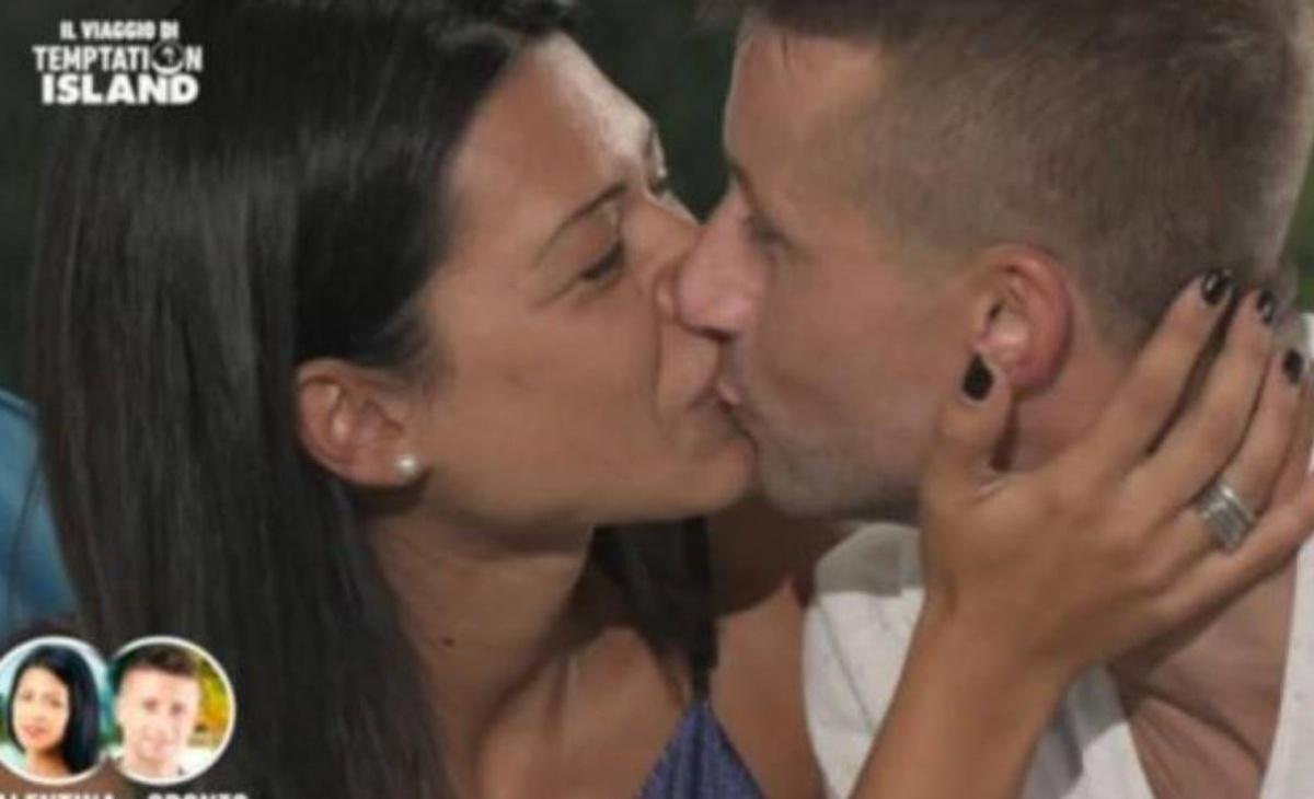 Oronzo Carinola e Valentina De Biasi presto genitori