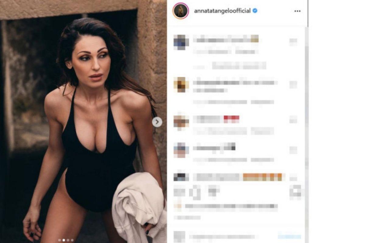 Anna Tatangelo foto Instagram in costume