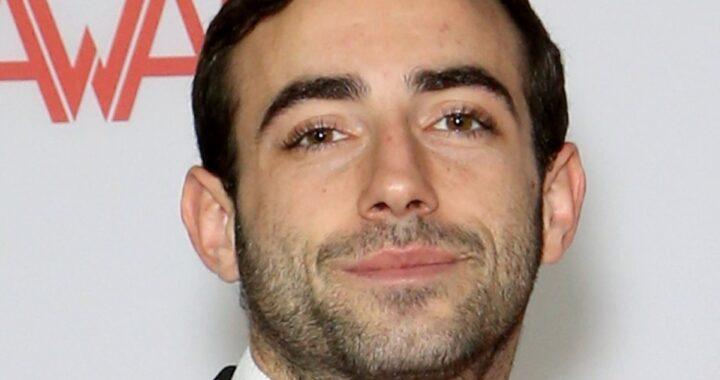 Jake Adams, morto a 29 in un incidente con la moto l'attore di film per adulti