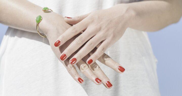 6 strumenti per una manicure perfetta, per mani curate e incantevoli