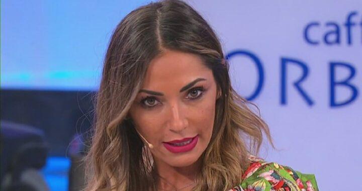 UeD: Ida Platano viene attaccata in spiaggia e va su tutte le furie