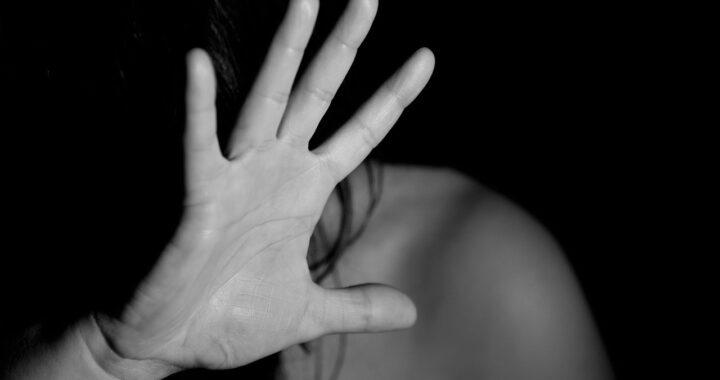 12enne fa arrestare il padre che picchia la madre