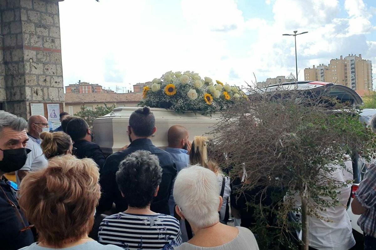 funerale laura anasetti