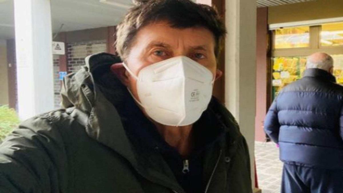 Gianni Morandi torna in ospedale