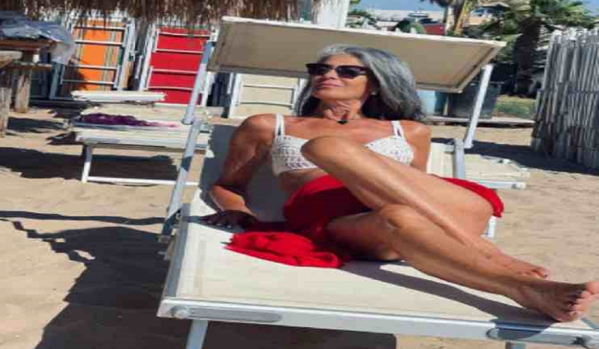 UeD: Isabella Ricci look da spiaggia