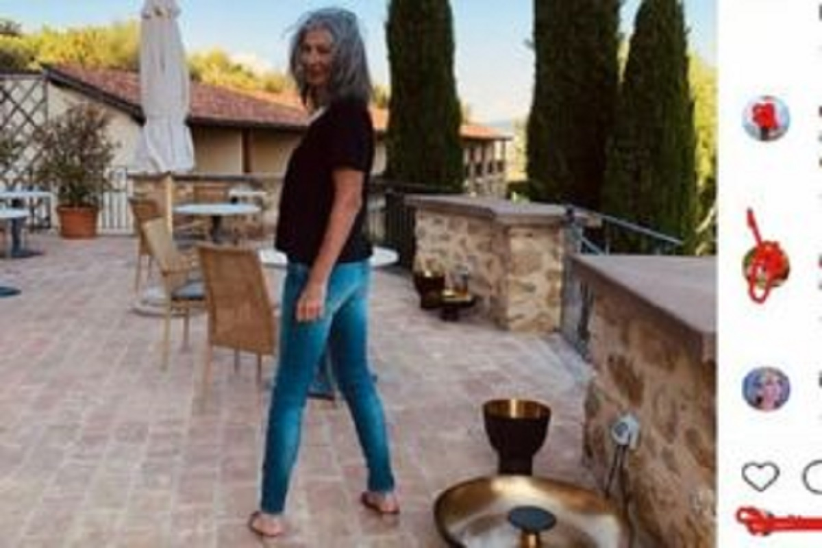 UeD: Isabella Ricci si mostra in un outfit diverso