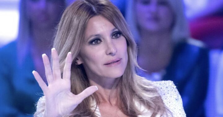 Adriana Volpe al Grande Fratello VIP, ma l'ex marito è furioso sui social