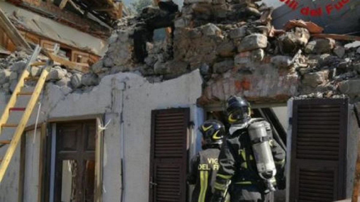crollo di un edificio a pontremoli