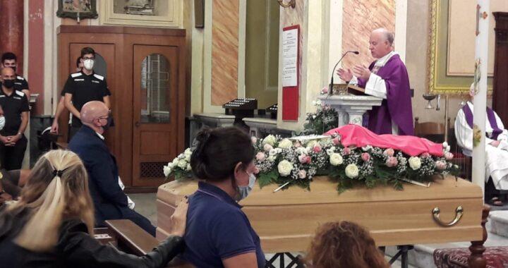 L'ultimo saluto a Marika Galizia, mamma morta a 27 anni durante il parto