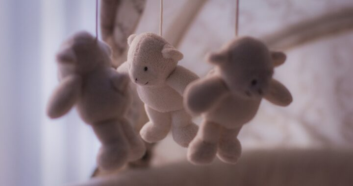 Neonato di 1 mese e mezzo morto in culla