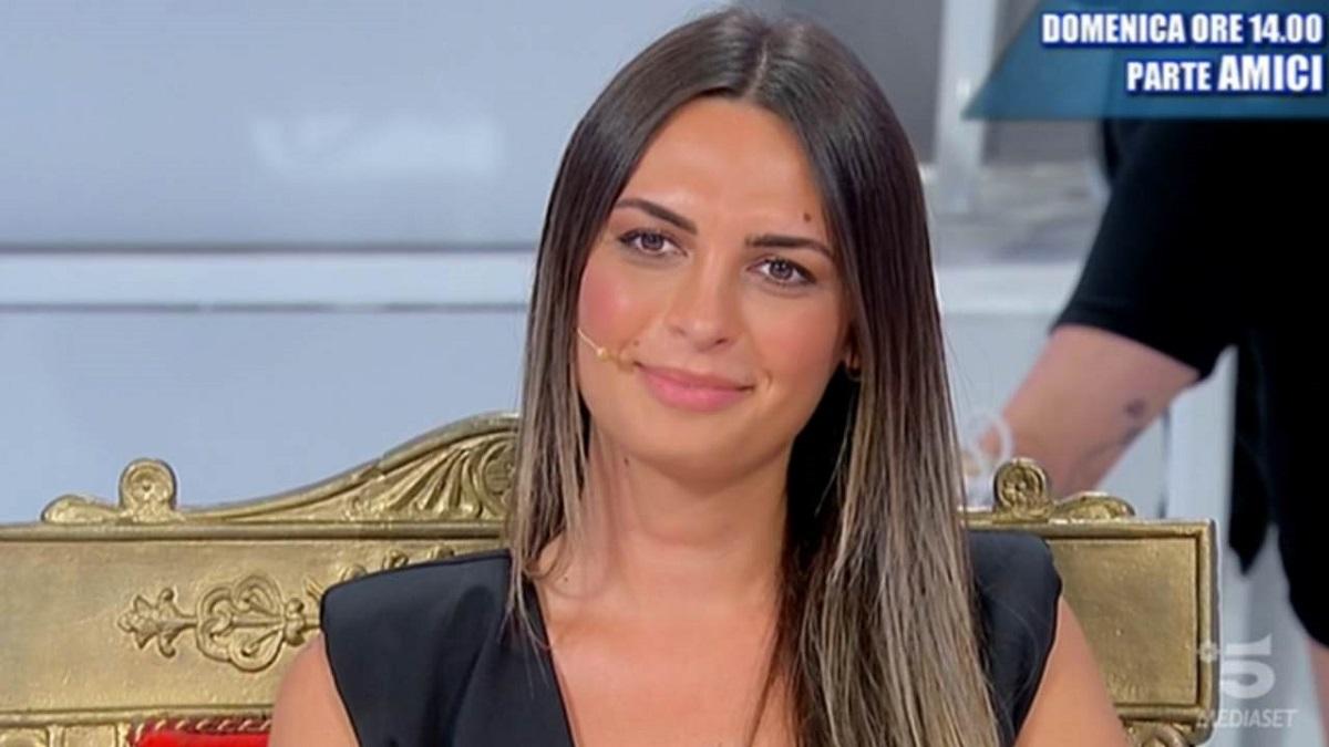 """UeD: Maria De Filippi su Andrea Nicole: """"Ti guardo come un imbecille"""""""