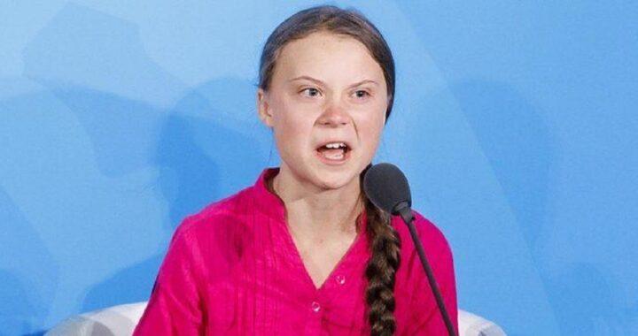 Greta Thunberg balla al Climate Live di Stoccolma: il simbolo di protesta