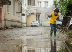Bambino di 8 anni scappa da casa
