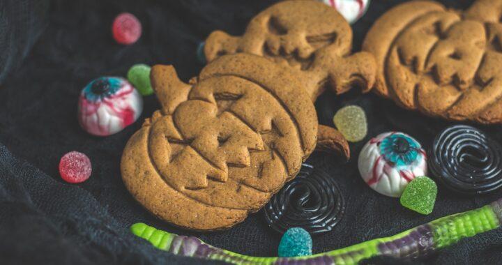 Le formine per biscotti di Halloween migliori per dolcetti da brivido
