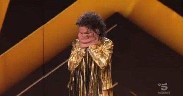 Star in the Star: chi si cela dietro la maschera di Michael Jackson? Inaspettata rivelazione