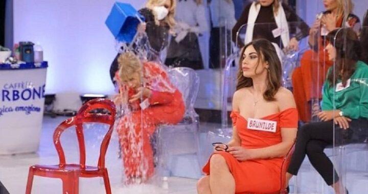 UeD: Tina Cipollari un nuovo gavettone per Gemma Galgani